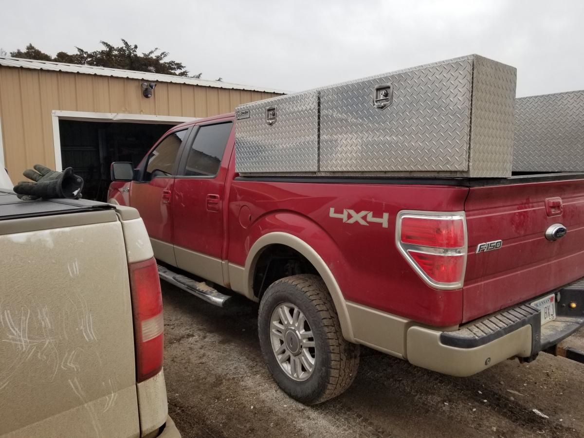 Looking at work truck-20181224_121250.jpg
