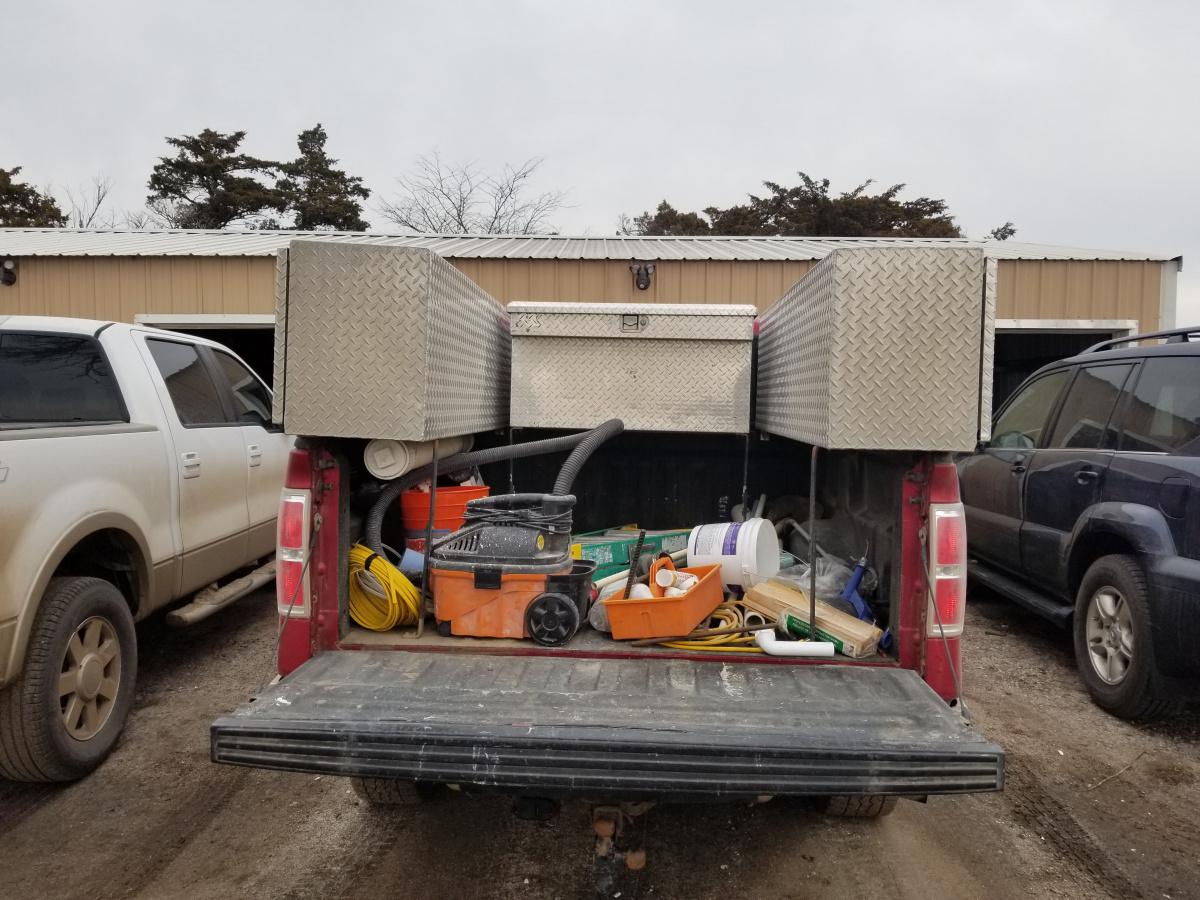 Looking at work truck-20181224_121300.jpg