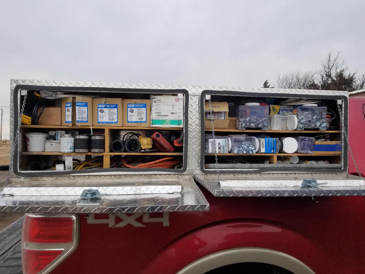 Looking at work truck-20181224_121318.jpg
