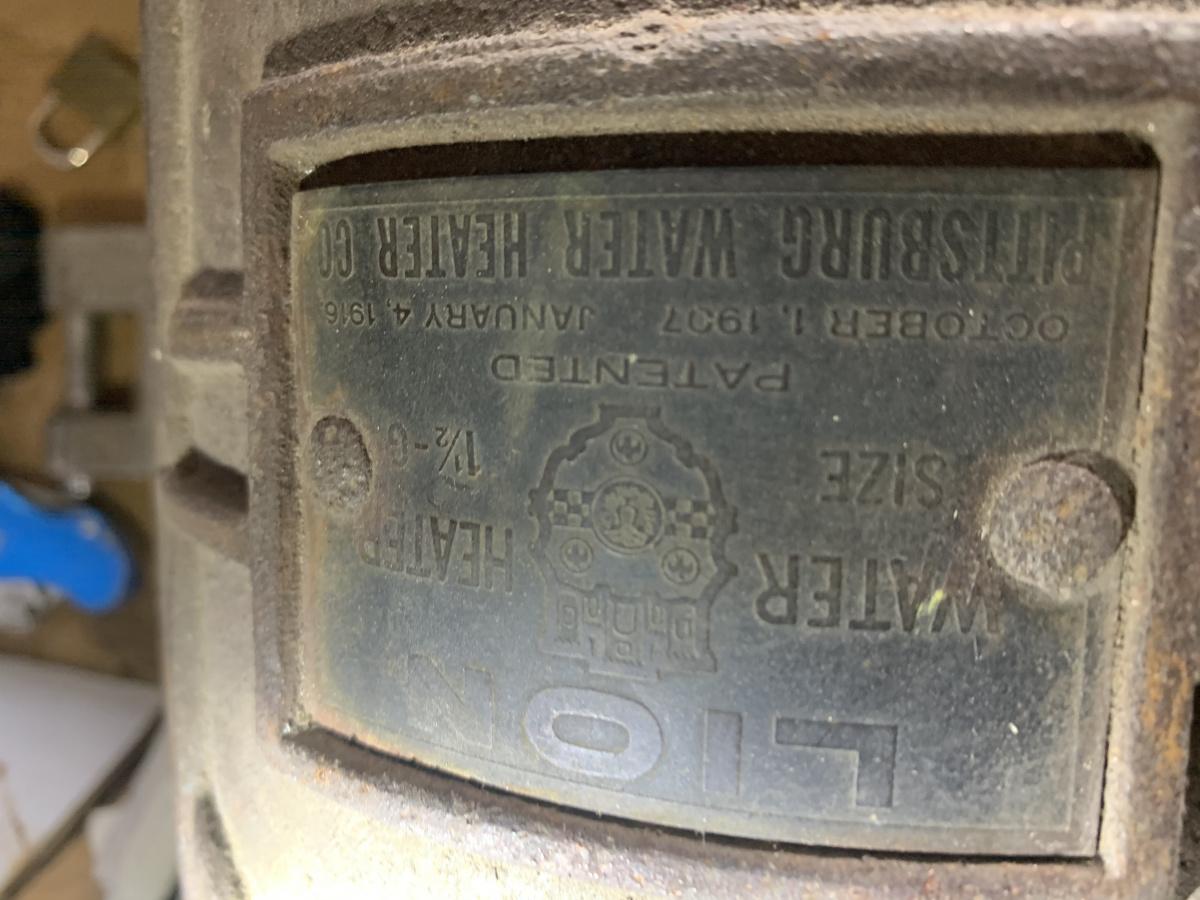 Old water heater-4893ca44-8699-4cd5-90aa-67407bff145b.jpg