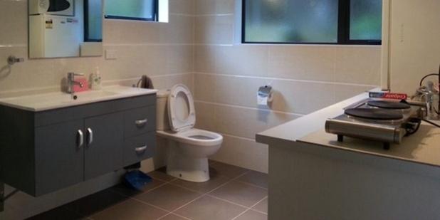 Bathroom Kitchen Combo 7c980f483f118711ad493e5fd6e0abe4395ef355_620x311