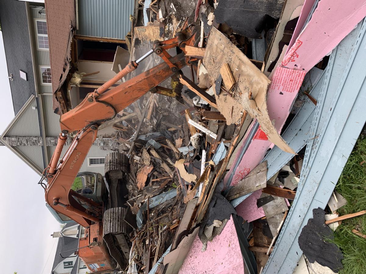 Tractor house down!-97d87d42-03c7-46f4-aa14-ccf85d9e8085.jpg