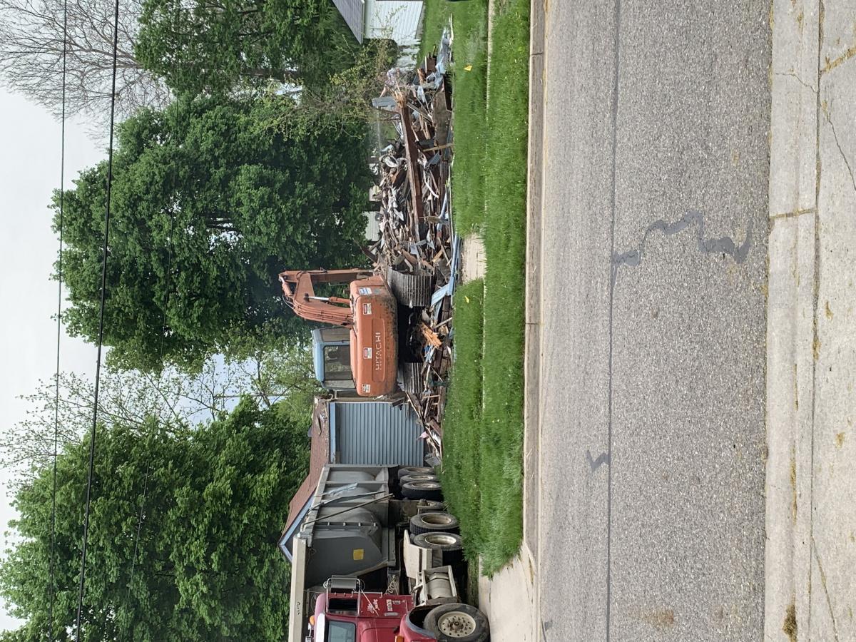 Tractor house down!-9cc68632-a001-4127-b092-accb7a2d8512.jpg