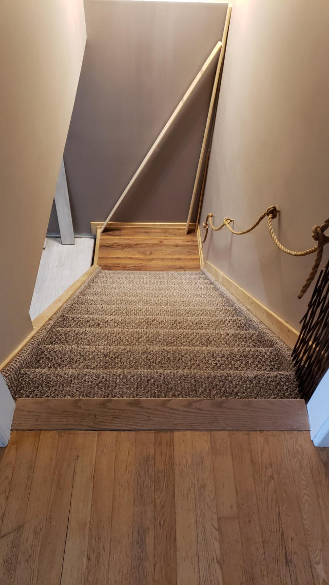 Stairs and Landing & Water Heaters-attach0.jpg