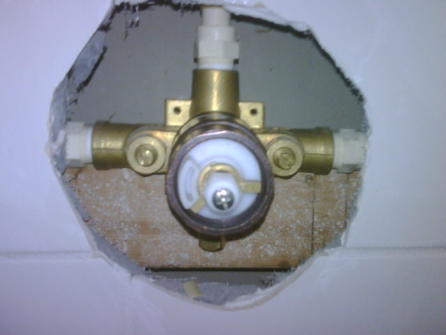 What Type Of Shower Valve Is This Img00162 20101118 0951 Jpg