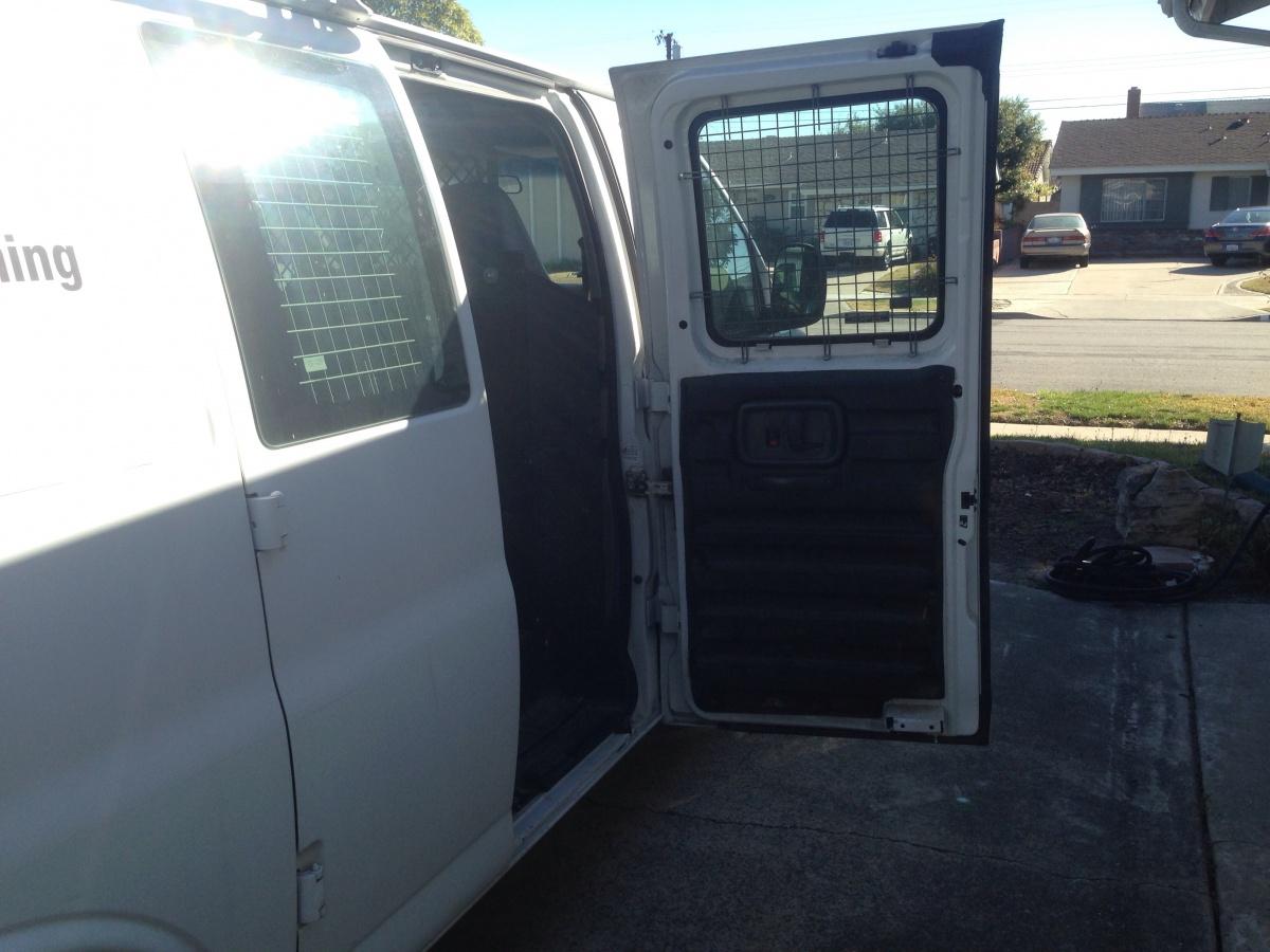 My van was broken into last night-img_5942.jpg