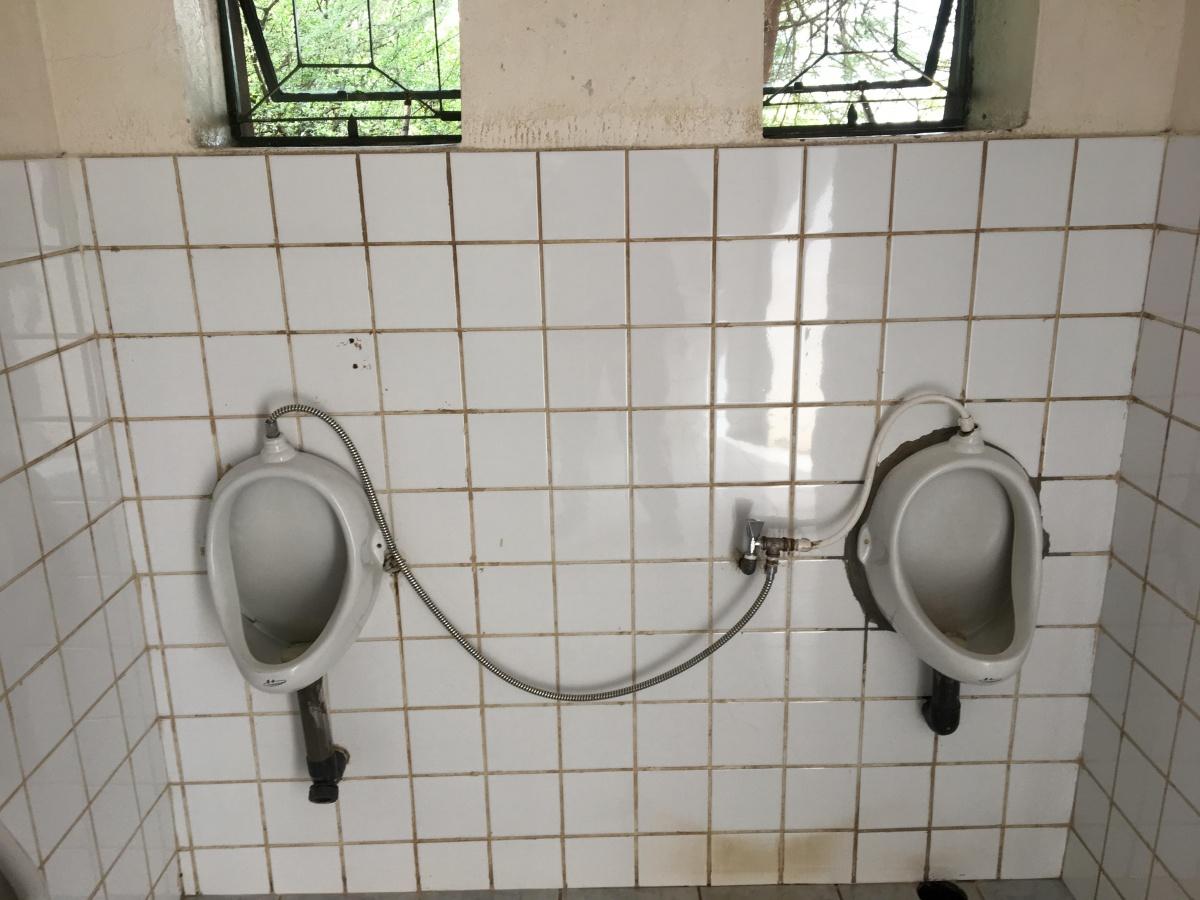 Vintage porcelain-urinal-7.jpg