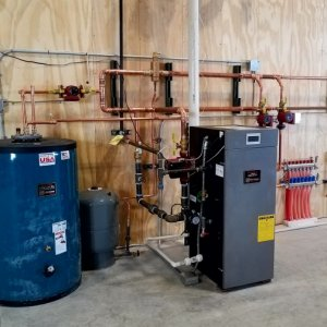 hydronic system for an oilfield services system